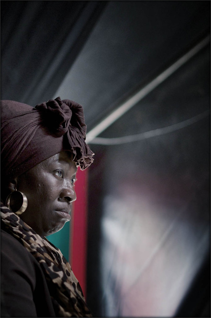 dame-africaine-cirque-Snapseedok.jpg