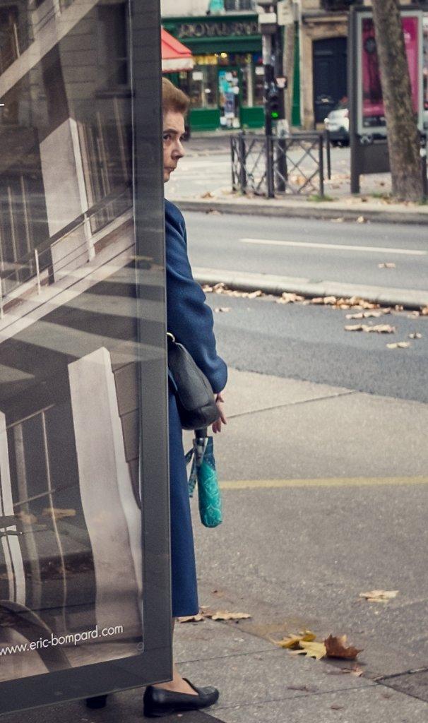 femme-bus-Snapseed.jpg