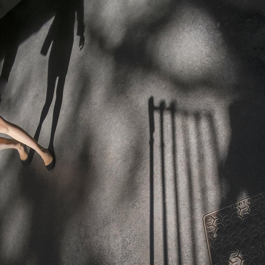 fille-sans-main-ombre-2.jpg